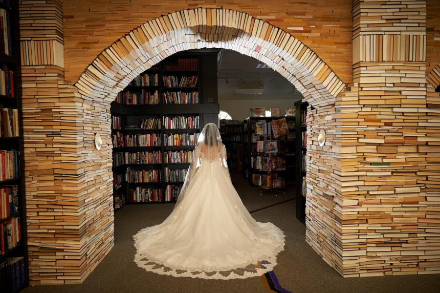 wedding Sandman Books Book arch